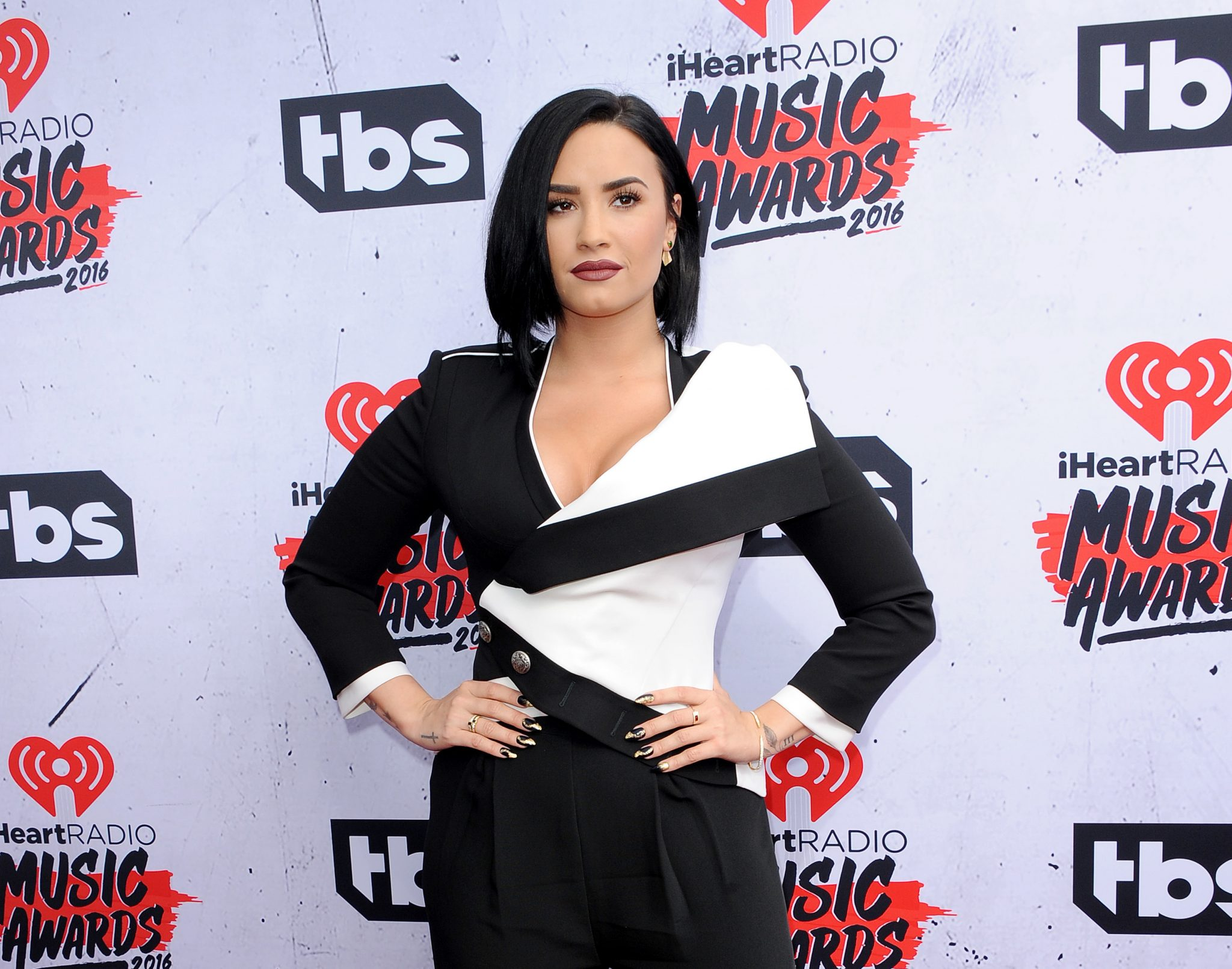 celebrities in recovery demi lovato